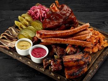 Platou mare de carne