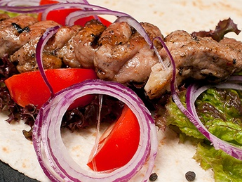 Chicken barbecuie in pita