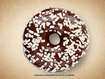 Пончик с шоколадом (белый декор)