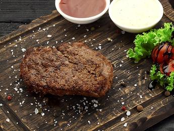 Steak suculent de vită