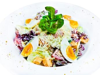Salată cu ton