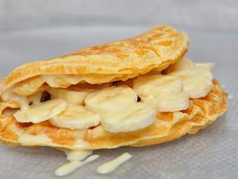Gofre cu lapte condensat și banane