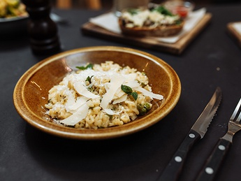 Risotto with peas and herbs