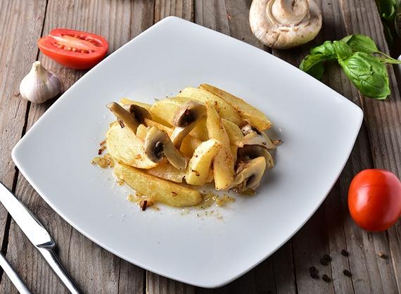 Cartofi prajiți сu ciuperci