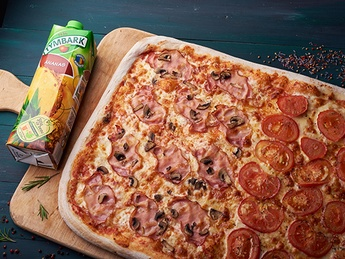 Pizza with juice