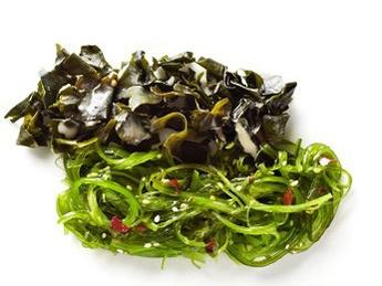 Salată chuka