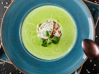 Гороховый крем-суп с тартаром из креветок