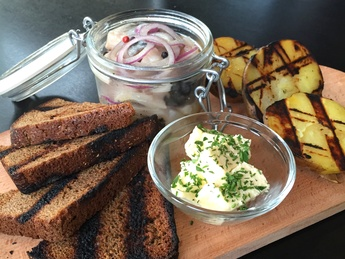 Herring with grilled potatoes