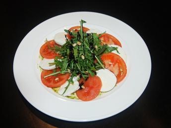 Salată Capreze cu ruccola