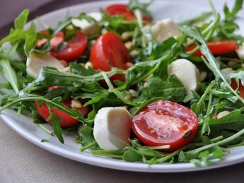 Salad Caprese with arugula