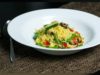 Рис кари с овощами и стручковой фасолью