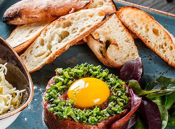 Veal steak tartare