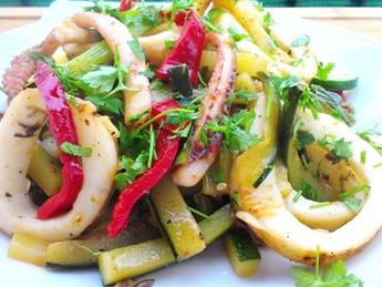 Salad with vegetables and calamari