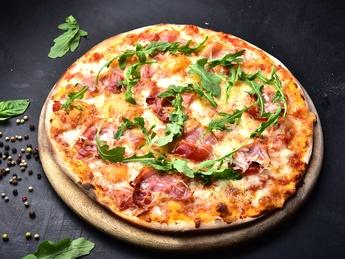 Pizza Prosciutto con Provola