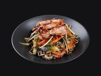 Noodles yaki soba with chicken meat