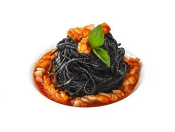 Spaghetti cu cerneală de sepie și fructe de mare