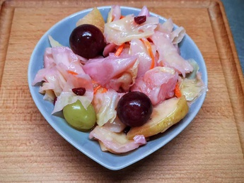 Pickled cabbage with grapes