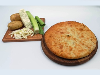 Ossetian pie with potatoes and cheese