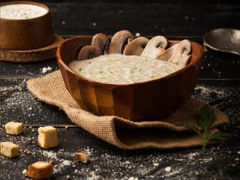 Крем-суп из курицы и грибов