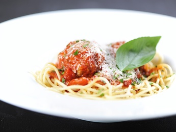 Spaghetti with meatballs (Kids menu)