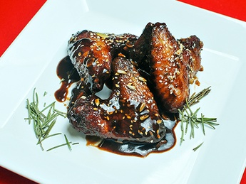 Spicy wings in sesame sauce