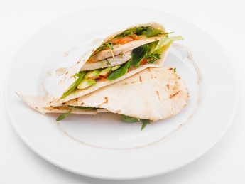 Pita with chicken and avocado