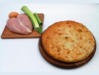 Ossetian pie with chicken and leek
