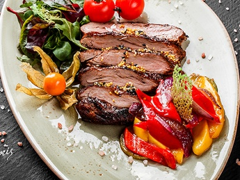 Salată cu steak de vițel