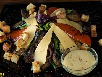 Salad with grilled veal
