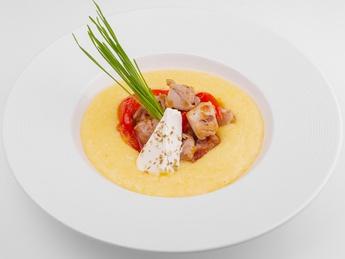 Fitness chicken stew with polenta