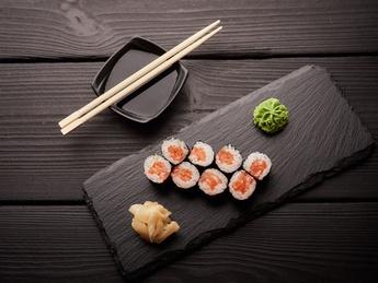 Maki with salted salmon