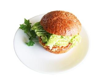 Hamburger cu carne de pui