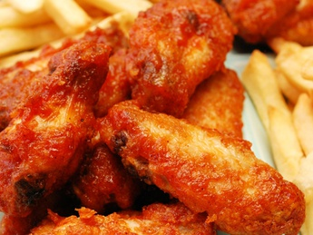 Crispy wings with French fries