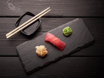 Nigiri with tuna