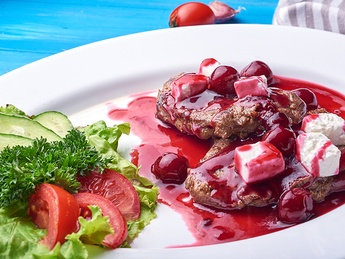 Veal with cherry sauce