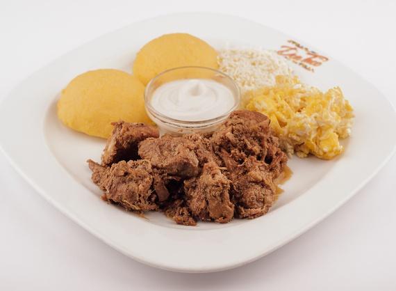 Токана из курицы с мамалыгой