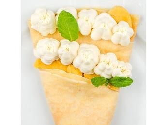 Pancake with mascarpone and fruit cream