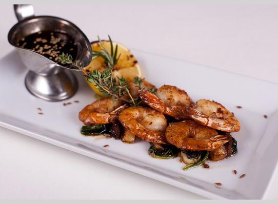 Tiger shrimp fried with garlic