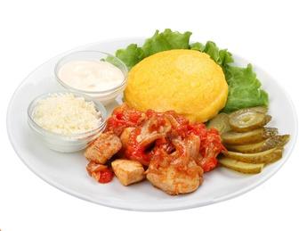 Chicken Ragout with Mămăligă