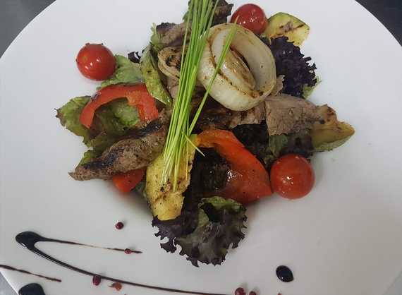 Warm salad with veal