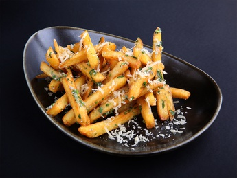 Cheese fries with garlic