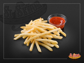 French fries wuth ketchup