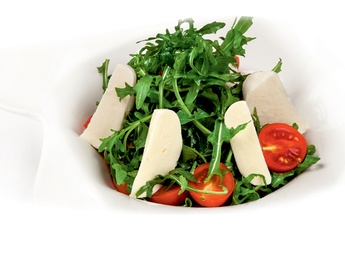 Salată cu mozzarella și roșii cherry