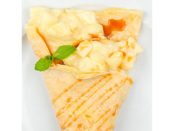 Pancake with apple and caramel