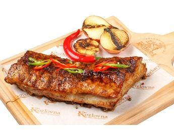 Cotlet de porc  la grătar cu sos barbecue