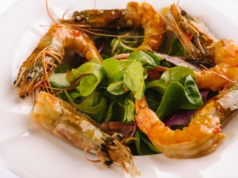 Tiger prawns with sweet-chilli sauce
