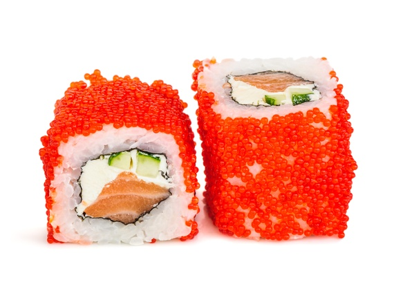 Salmon tobiko roll