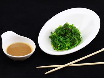 Salad Hiyashi with walnut sauce