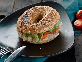 Mexican bagel with chicken and beans