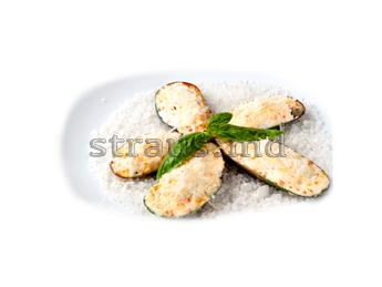 Мидии запеченные с морским гребешком